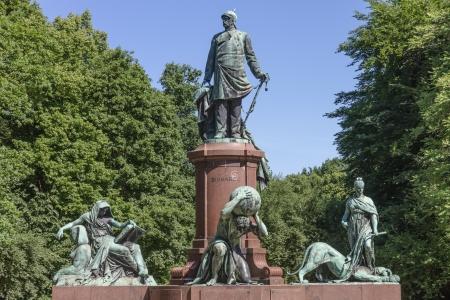 Monument of the first German chancellor Otto von Bismarck in Berlin-Tiergarten Standard-Bild