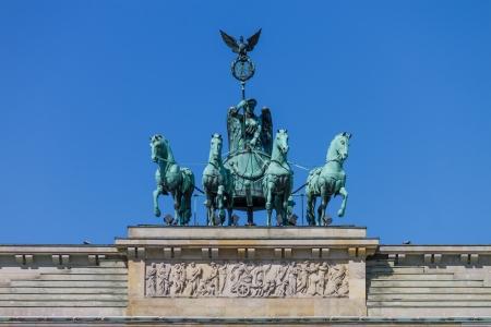 Close-up photo of the quadriga of the Bradenburg Gate  Brandenburger Tor  in Berlin Standard-Bild
