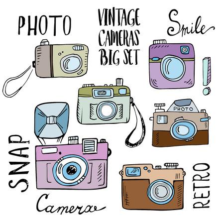 macchina fotografica: Hand drawn set di telecamere retrò con lettering. Vettoriale illustrazione isolato su sfondo bianco.