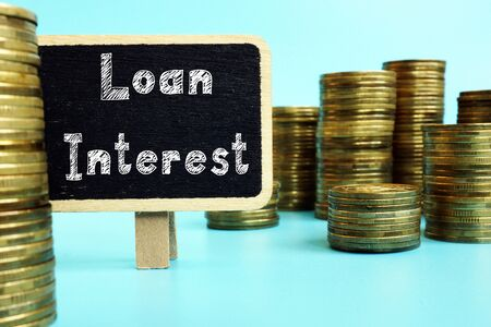 Financial concept about Loan Interest with phrase on the page. 免版税图像