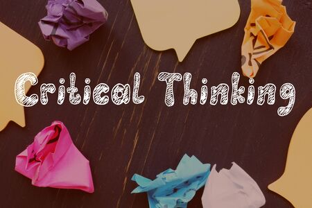 Critical Thinking sign on the piece of paper. Zdjęcie Seryjne