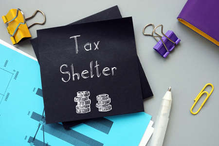 Financial concept meaning Tax Shelter with phrase on the page. Banque d'images