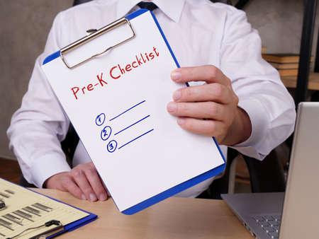 Pre-K Checklist phrase on the page. Reklamní fotografie