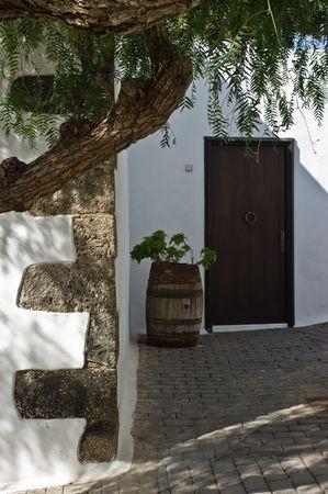 lanzarote: Een recht bank in Teguise op Lanzarote eiland, Spanje.