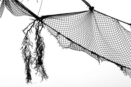 redes pesca: Pesca viejo NET, negro sobre blanco, Limenaria en la isla de Tasos, Grecia.