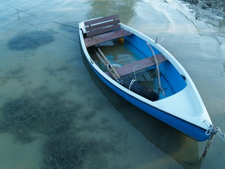 swamped: rowing boat, swamped with water