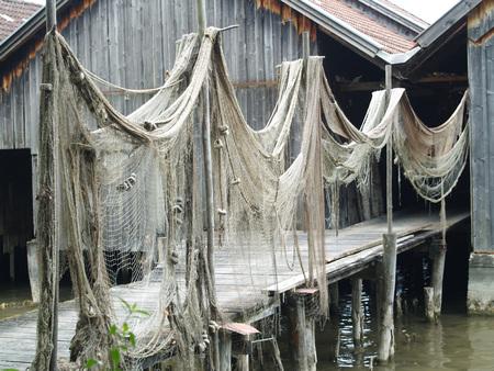 redes de pesca: Las redes de pesca para el secado Foto de archivo
