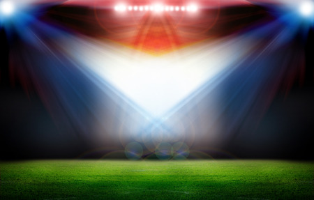 Fußball-Stadion mit den dright Lichter Standard-Bild - 32923586