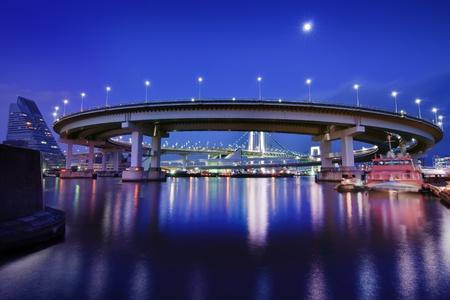 tokyo prefecture: Tokyo s Rainbow Bridge Loop in the early evening under a full moon