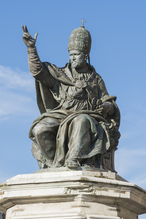 credo: The ancient statue of Pope Paul V in Piazza Cavour in Rimini, Italy