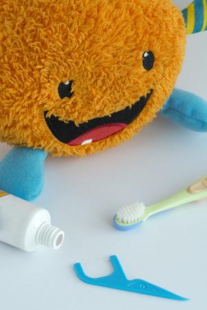 higiene bucal: La higiene bucal diaria en ni�os Previene la caries dental y mantiene su boca sana