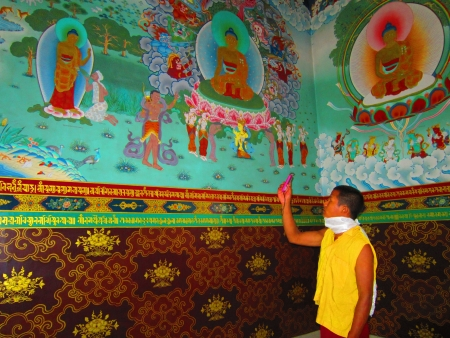 Monk taking picture at a temple in Bodhgaya.Shot at 0920 am on 11.08.12 at Bodhgaya, Bihar, India, Asia. Stock Photo - 14816217