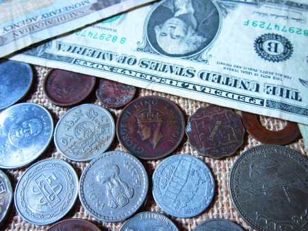 moksha: COINS OF DIFFERENT COUNTRIES  AND MONEY OF DIFFERENT COUNTRIES