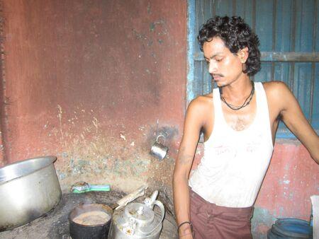 bihar: TEA SELLER .SHOT AT PATNA, BIHAR, INDIA, ASIA AT AFTERNOON HOURS ON 31.08.12