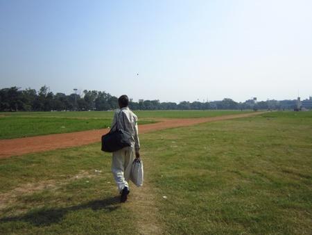 gandhi: A BIHARI WALKING. ACTIVITIES AT GANDHI MAIDAN, PATNA, BIHAR. SHOT AT MORNING HOURS ON 15.10.2012 AT  PATNA, BIHAR, INDIA