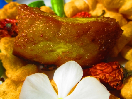 non vegetarian: FISH FIRED WITH FLOWER COMBINATION TO DEPICT THE TASTE
