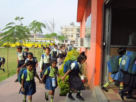 SCHOOLKIDS AT PATNA SCHOOL. SHOT AT MORNING HOURS ON 02.11.12 AT PATNA, BIHAR, INDIA.