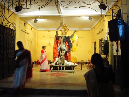 calcutta: PUJA AT TEMPLE.SHOT AT CALCUTTA, INDIA: AFTERNOON HOURS ON NOVEMBER 15,2012.