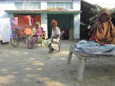 bihar: VILLAGE PEOPLE SITTING IN FRONT OF HOME.SHOT AT VAISHALI, BIHAR, INDIA: AFTERNOON HOURS ON NOVEMBER 20,2012.