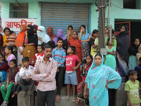 martyrdom: SPECTATORS WATCHING MUHARRAM PROCESSION .SHOT AT AFTERNOON HOURS AT PATNA, BIHAR, INDIA ON 25.11.12. Editorial