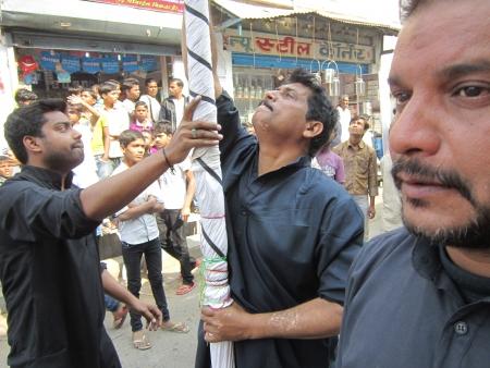 lamentation: Muharram PROCESSIONE durante il Ramadan. Girato a ore pomeridiane ON 25,11.12 AT Patna, Bihar, in India.