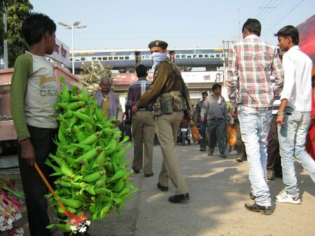 POLICE PERSONNEL ON DUTY AT FAIR.SHOT DURING AFTERNOON HOURS ON 02.12.12 AT SONEPUR FAIR, SONEPUR, BIHAR, INDIA.