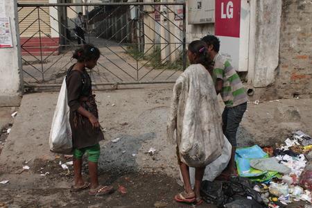 vagabond: Travel Gandhi Maidan. Indian poor people. Shot at morning hours at Gandhi Maidan,Patna, Bihar on 18.02.2015. Ragpickers. Editorial