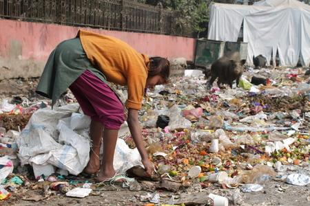 Reizen Gandhi Maidan. Indische arme mensen. Beschoten ochtenduren bij Gandhi Maidan, Patna, Bihar op 20150218