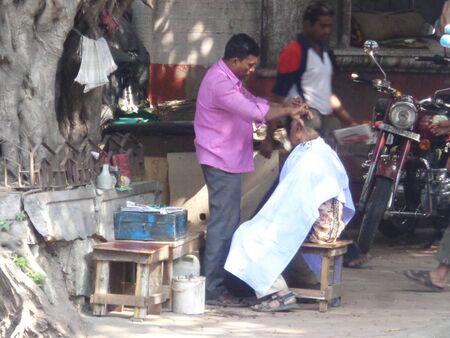 kolkata: Kolkata people for change of 500 & 1000 note ias same became defunct as per Indian Government order.  Shot on afternoon of November 2016 at RBI Kolkata, India.