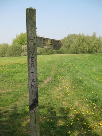 bidirectional: direction sign