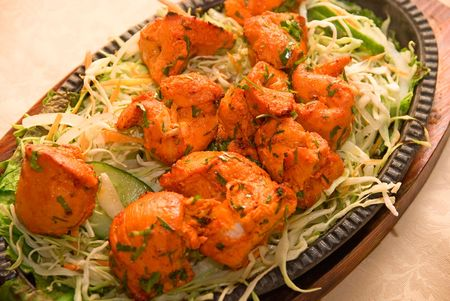 indian spices: Indiase Chilli Kip met groenten Stockfoto