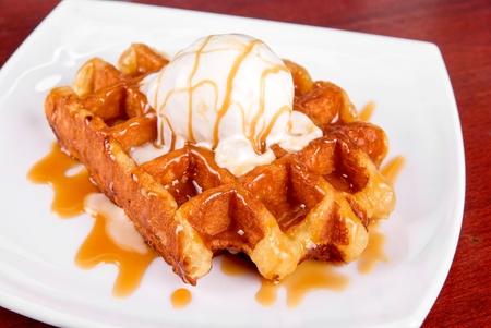 waffles: Waffle y helado