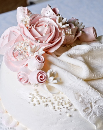 Photo de gros plan sur le gâteau de mariage rouge Banque d'images - 10286188