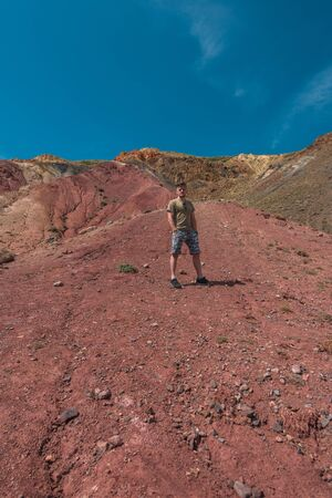 Man in Valley of Mars landscapes in the Altai Mountains, Imagens