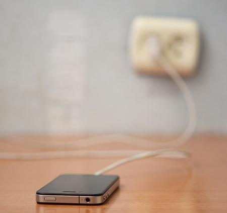opladen van mobiele telefoon
