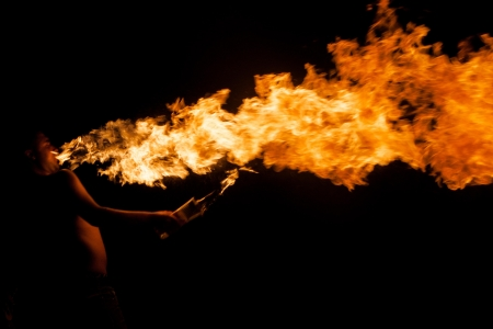 火とアクションの男火災ショー 写真素材