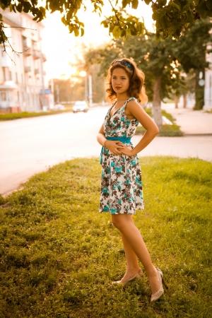 Chica pelirroja americana en suglasses Fotos en estilo años 60 Foto de archivo - 21670576