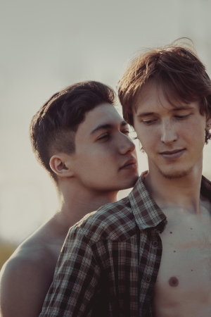 同性愛者のカップルを愛する