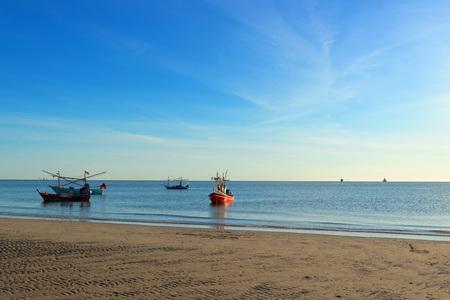hua: HUA HIN, THAILAND - SEPTEMBER 7, 2015: Beautiful tropical beach in low season.