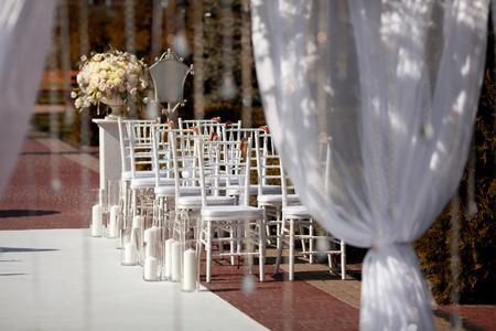 결혼식: 결혼식에서 아름다운 의자. 스톡 콘텐츠