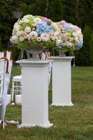 結婚式: 結婚式の花瓶の花