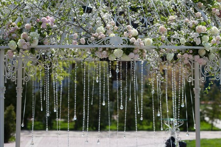 arches: Beautiful arch of flowers for the wedding ceremony