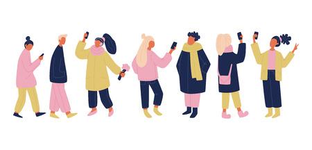 분홍색, 노란색 및 파란색으로 설정된 사람들과 의사 소통하는 벡터. 셀카, 채팅, 문자 메시지, 걷기를 하는 전화기와 가제트를 가진 고립된 벡터 사람들. 군중의 간단한 현대 벡터 일러스트 레이 션