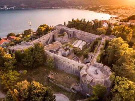 Vue de drone de la caserne de la forteresse Spanjola