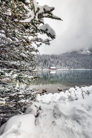 Lake Louise under heavy snow at Banff National Park, Canada. Banco de Imagens