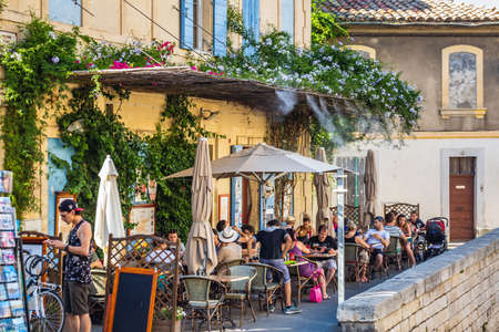 Cafe Van Gogh at Place du Forum in Arles, Provence, France. Arles, France - July 27 2016. 新闻类图片