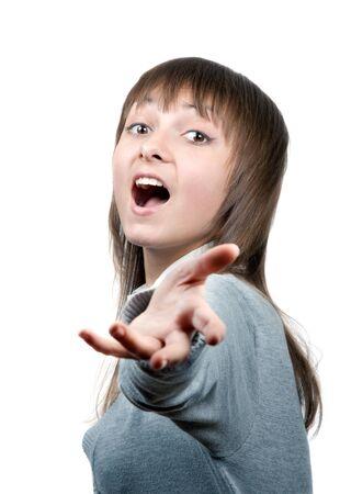 onward: Hermosa ni�a canta con extendido hacia adelante a mano
