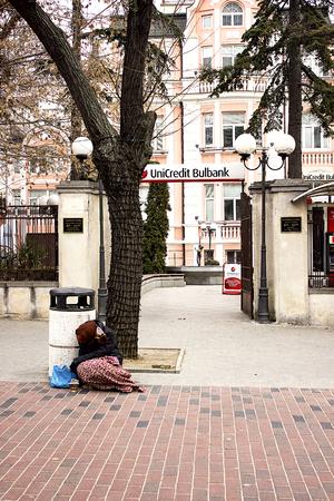 marginalized: Poor people in Europe. Editorial