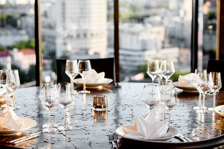 empty glasses and table setting with a beautiful background in a restaurant 스톡 콘텐츠