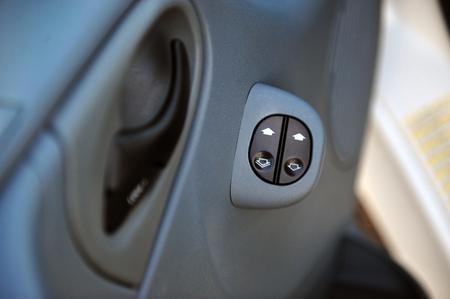 controls near the steering wheel in a modern car Standard-Bild - 116293655